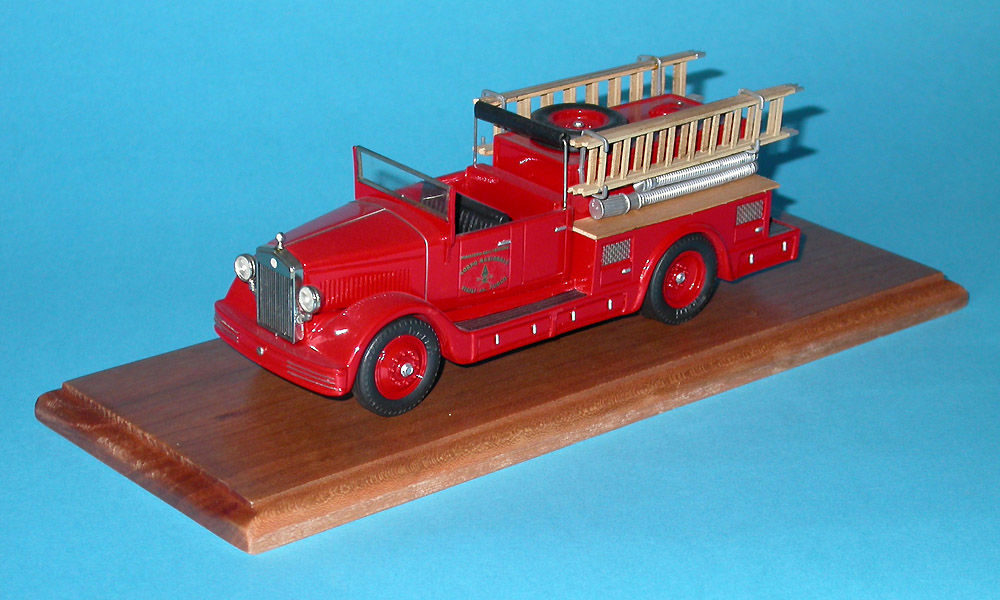 Brianza: 1934 Fiat 635 fire pumper in 1:43 scale